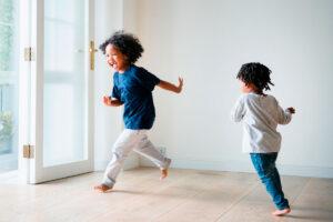 Bewegungsangebote für Kinder in der Kita und zuhause